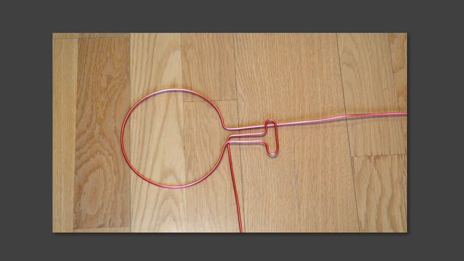 ワイヤーを造形2